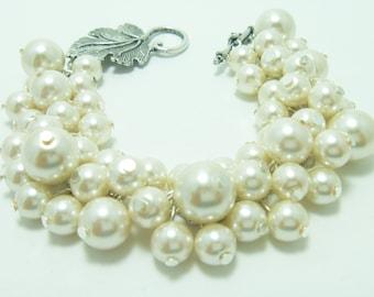 Pearl Bracelet, Ivory Cluster Bracelet, Chunky Bracelet, Bridal Jewelry, Pearl Cluster Bracelet, Wedding Jewelry, Pearl Bridesmaid Jewelry