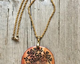 Vintage Nacre Pendant Necklace-Vintage Mother-of-Pearl Necklace-Nacre Necklace-Nacre Pendant