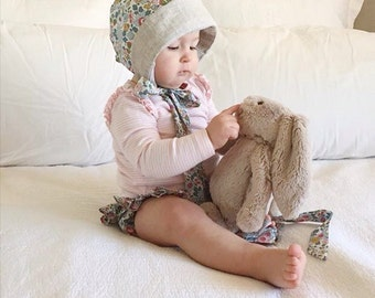 COCO BABY BONNET vintage style baby hat in Liberty Art tana lawn fabric Betsy P (grey) Or Capel G (mustard)