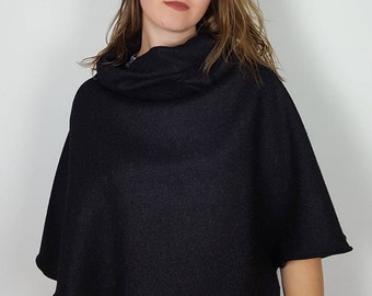 Poncho, cape, covers shoulders woman