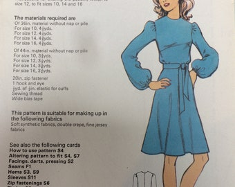 Vintage Sewing Pattern - Lady's Long-Sleeved Dress - size 12