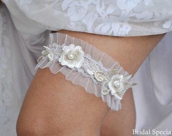 Ivory Gold Garter, Lace Wedding Garter, Bridal Garter Set, Ivory Garter, Lace Garter, Gold Wedding Gift, Rustic Garter, Rustic  Garters