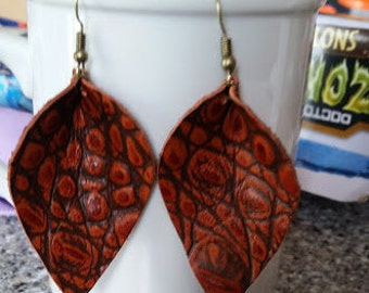 Red Reptile Curved Earrings