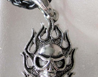 Fashion Tribal Style Metal Flaming Fire Skull Head Pendant Bead 40mm X 20mm T2210
