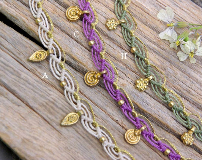 Macrame anklet Mod. Leyre, with brass, brass beads, adjustable closure, tribal anklet, Indian inspiration anklet, free shipping