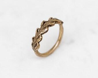 Laurel Crown ring - golden brass