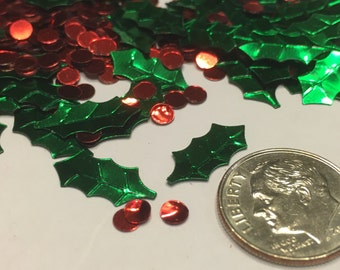 50-75 piece Holly and Berry confetti / sequins mix, 4-14 mm (9)