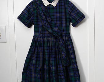 Girls 6:  1950s Classic Navy Plaid Little Girl's Dress, Shoulder Sash, White Collar