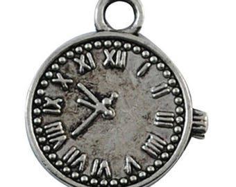 Silver metal clock pendant