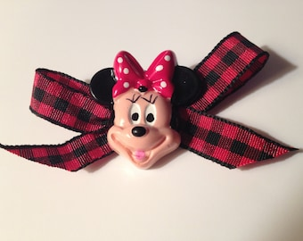 Minnie Mouse Pin with bow