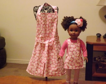 """18"""" Doll & Me Aprons, Pink Daisies"""