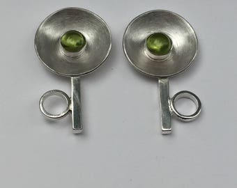 Sterling silver peridot flower earrings