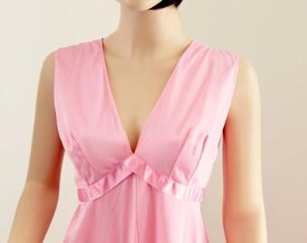 Vanity Fair Nightgown 1960's Pink