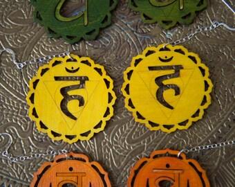 Plexus solaire 3ème boucles d'oreilles Chakra - Manipura - Chakra Yoga boucles d'oreilles jaunes - boucles d'oreilles arc en ciel New Age Chakra boucles d'oreilles en Yoga
