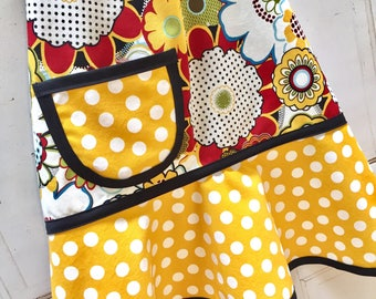 Ready To Ship in Size Medium - Floral Child's Apron, Girls Apron, Kids Apron, Toddler Apron, Red, Mustard, Black - MOD MUSTARD FLORAL
