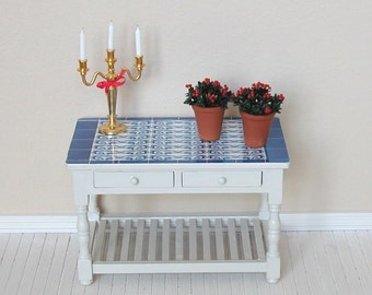 Dollhouse miniature plant - Checkerberry in tall terracotta flower pot - 12th scale (GF83)