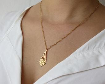 Gold necklace,14k gold filled, flower necklace, flower pendant, delicate necklace, everyday necklace
