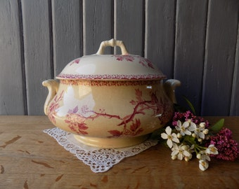 Antique French tureen, pink Gien ironstone footed bowl, circa late 1800s.