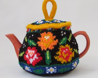 Canal Boat Roses and Daisies Tea Cosy Knitting Pattern