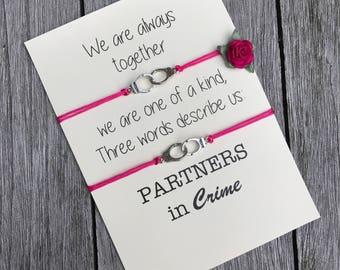 Partners in crime armband ingesteld, vriendschap armband, beste vriend cadeau, cadeau voor vriend, vriendschap Armband set, de gift van de verjaardag, A40