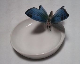 Porcelain Butterfly Pin Dish #5034 - Amazing Detail on the Butterfly