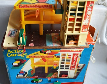 Vintage FISHER PRICE Play Family Garage Ramp | Action Parking Service Center including box | Vintage 1970s / #930
