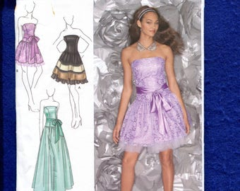 Simplicity 1655 Jessica McClintock Fitted Bodice Party & Evening Dress Size 4 to 12 UNCUT