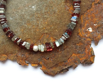 Garnet and labradorite bracelet with 925 silver elements