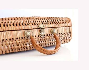Briefcase Wicker Basket, picnic basket, retro Basket, Tight Metal Closure, Picnic,  Retro picnic case, Rattan basket, 1960s