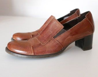 Vintage leather décolleté shoes size 38 Made in Italy Heel 5 cm OOAK