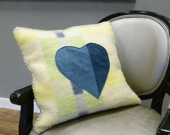 Cute green pillow || Jeans heart