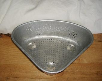 Vintage Aluminum triangle Sink Corner Colander • Quality Brand