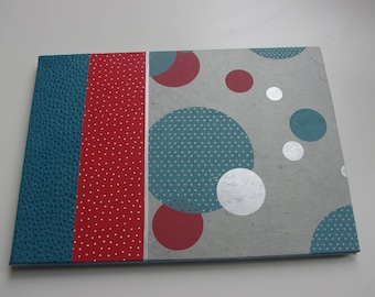 Photo album, red and blue bubbles
