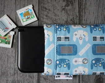 Generations Nes Snes N64 Gamecube Retro Gaming Controllers Patterned Nintendo 3DS, 3DS XL, New 3DS, New 3DS XL, New 2DS XL Fabric Pouch Case