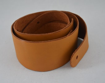 """Natural, deerskin colored guitar strap.  Extremely soft and easy on the shoulder.  """"Easy Doe"""" is hand made."""