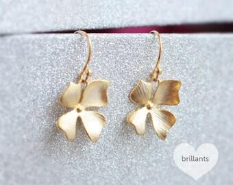 Orchid Flower Dangle earrings, Bridesmaid jewelry, Bridesmaid earrings, Wedding jewelry, Bridesmaid set, Earrings set, Flower earrings