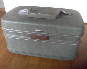 Train Case, light green, Airway, vintage luggage, DIY, makeup case