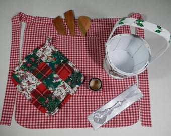 7 Piece Holiday Gift Set Berry Basket Wooden Spoon Handmade Reversible 2 Sided Unisex Adult Half Apron Pot Holder Hot Pad Christmas Ornament