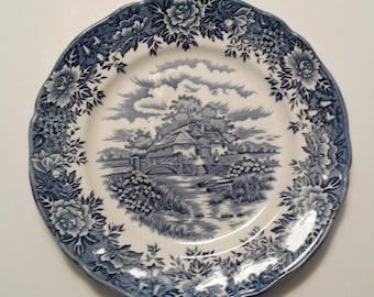 English Village, Salem China Co., Dinner Plate, 10""
