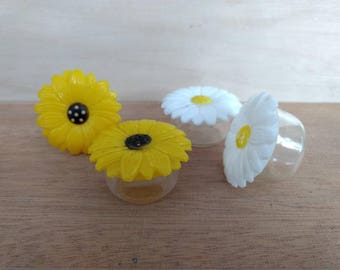 Vintage Flower Salt and Pepper Shakers YOUR CHOICE Daisy or Black Eyed Susan