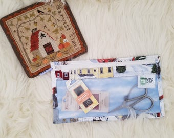 Farmhouse Christmas- Zippered Needlework Project Bag - Accessory siz