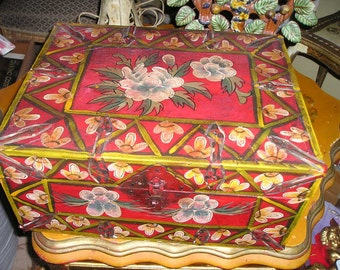 Colourful Colonial Hand Made/Painted Folk Art Wood Storage Box/Container/Trunk Vintage Primitive Ethnic Art