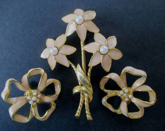 Pin And Earring Set * Enamel With Faux Pearls * Flower Pin And Earrings * Classic Vintage