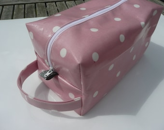 Oilcloth Washbag, Cosmetic Bag, Pink Makeup Bag, Travel Bag, Holiday Bag, Gift for Her, Waterproof Bag, Zipped Pouch, Best Friend Gift