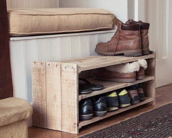 Tag re chaussures en bois meuble palette la main - Dressing en palette ...