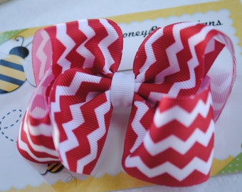 Patriotic Baby Bow for 4th of July Outfit Baby Girl Hair Bows 4 Inch Hair Bow Red and White Chevron Toddler Hair Clips for Babies Girl Gift