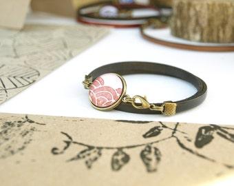 Boho leather bracelet for women, glass dome jewelry, rusty leather bracelet