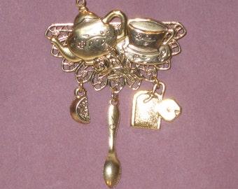 Pot de thé belle et thé tasse broche - deux pour le thé Pin - Or Antique - Studio BZ Original