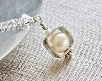 Freshwater Pearl Pendant Necklace, White Pearl Necklace, Sterling Silver Chain Necklace, Real Pearl Jewelry, Handmade Silver Jewelry for her