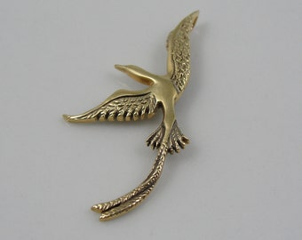 Swooping Long Tailed Bird Gold Charm or Pendant 2KT44Q-P
